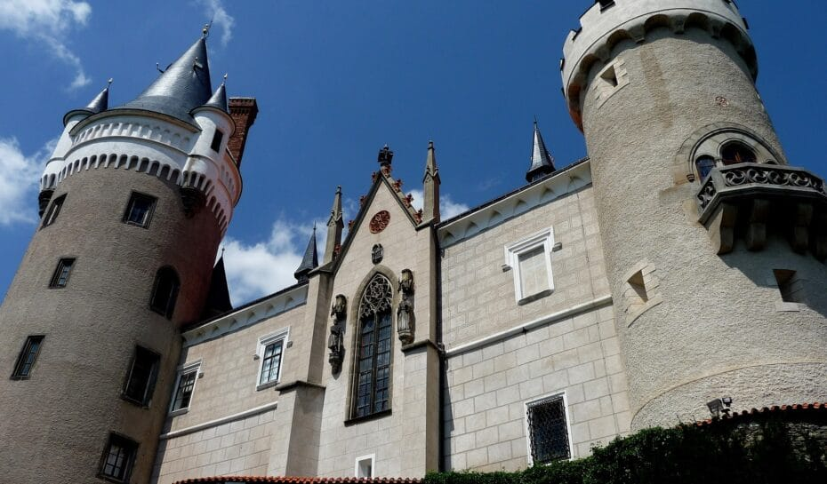Žleby – pozvánka na netradiční prohlídky zámku a obory