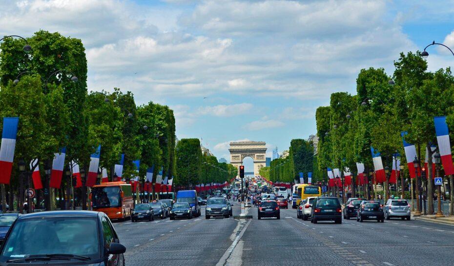 Paříž otestovala stoprocentně ekologické taxi