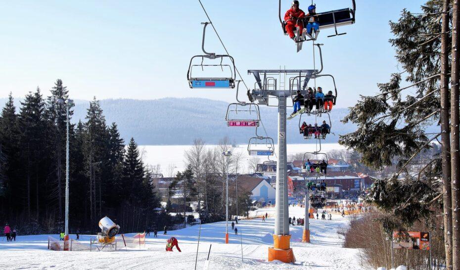 Skiareály prošly vylepšeními za stovky milionů korun