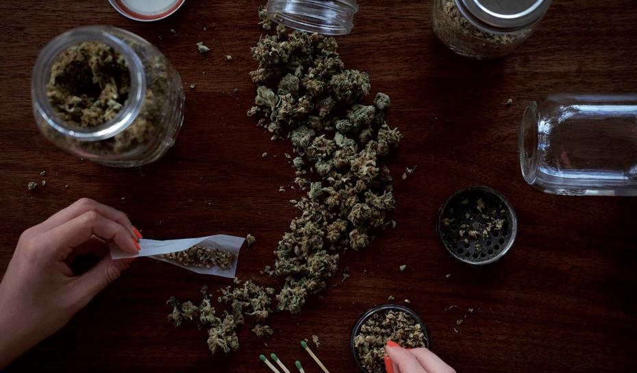 Konec drogové turistiky? Amsterdam chystá zákaz vstupu cizinců do coffee shopů