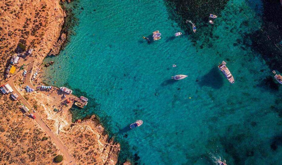 Pozvánka pro turisty starší 65 lety. Malta jim dá kapesné