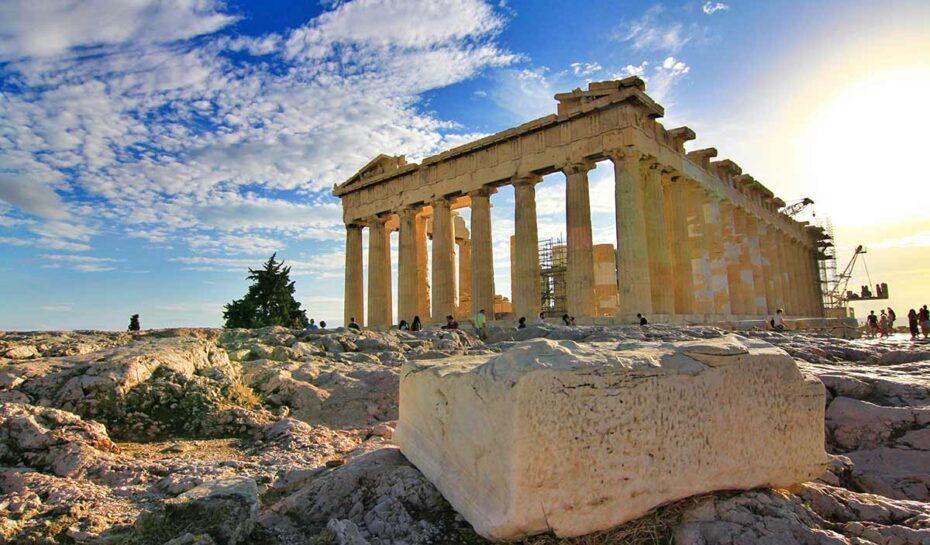 Beton u Akropole. Nový bezbariérový přístup sklidil kritiku