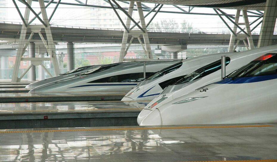 Tibetskou krajinou začal jezdit první vysokorychlostní vlak
